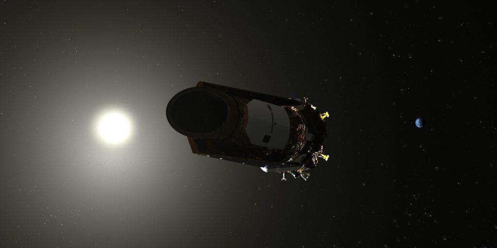 Image montrant le télescope spatial Kepler, sur son orbite héliocentrique, à 150 millions de kilomètres derrière la Terre.