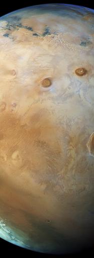 """""""Vue de Mars """"pôle à pôle"""" par la sonde européenne Mars Express."""