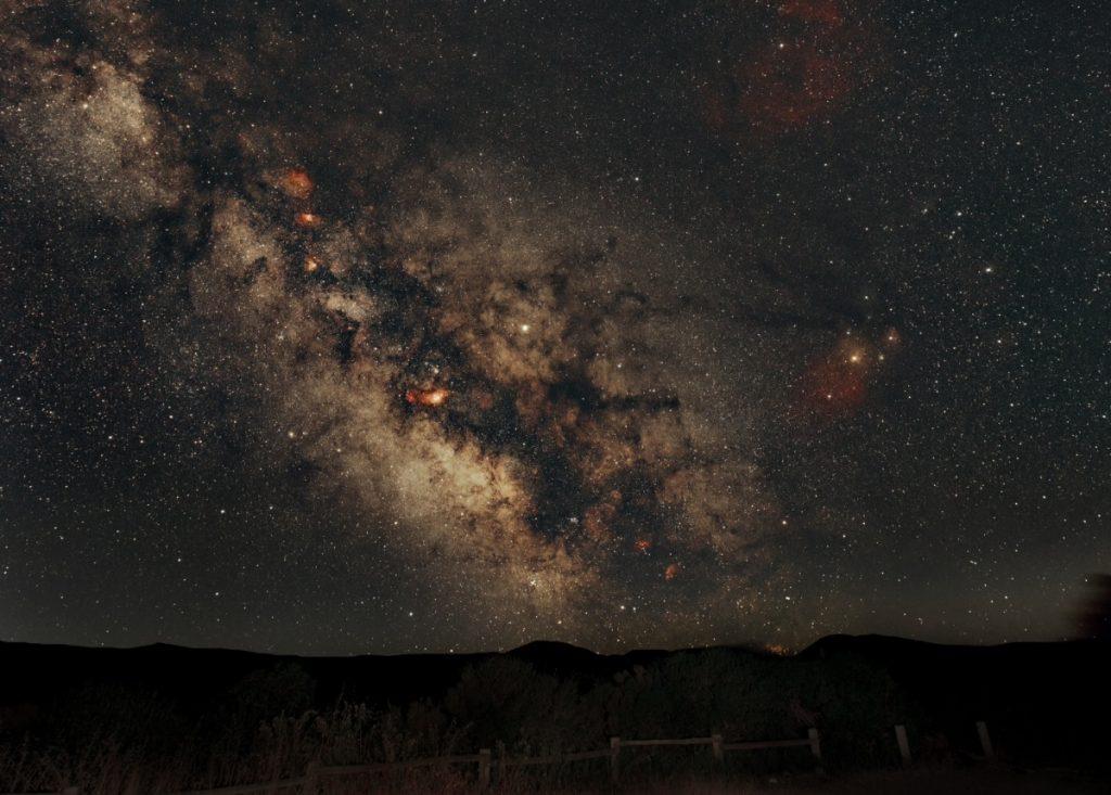 Photographie montrant le voie lactée