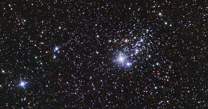 L'amas ouvert NGC457 dans Cassiopée.