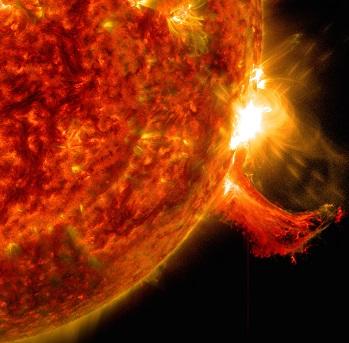 Éruption solaire observée en octobre 2014 par le Solar Dynamics Observatory de la Nasa.