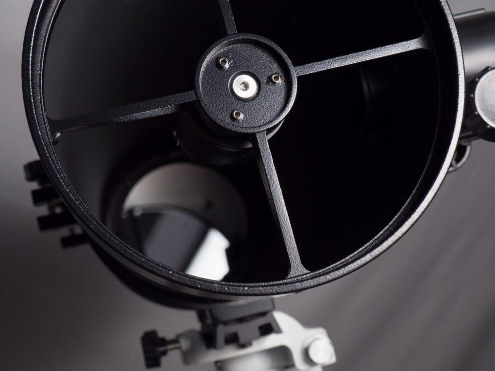 télescope STELESCOPE 130, vue intérieur du tube avec miroir