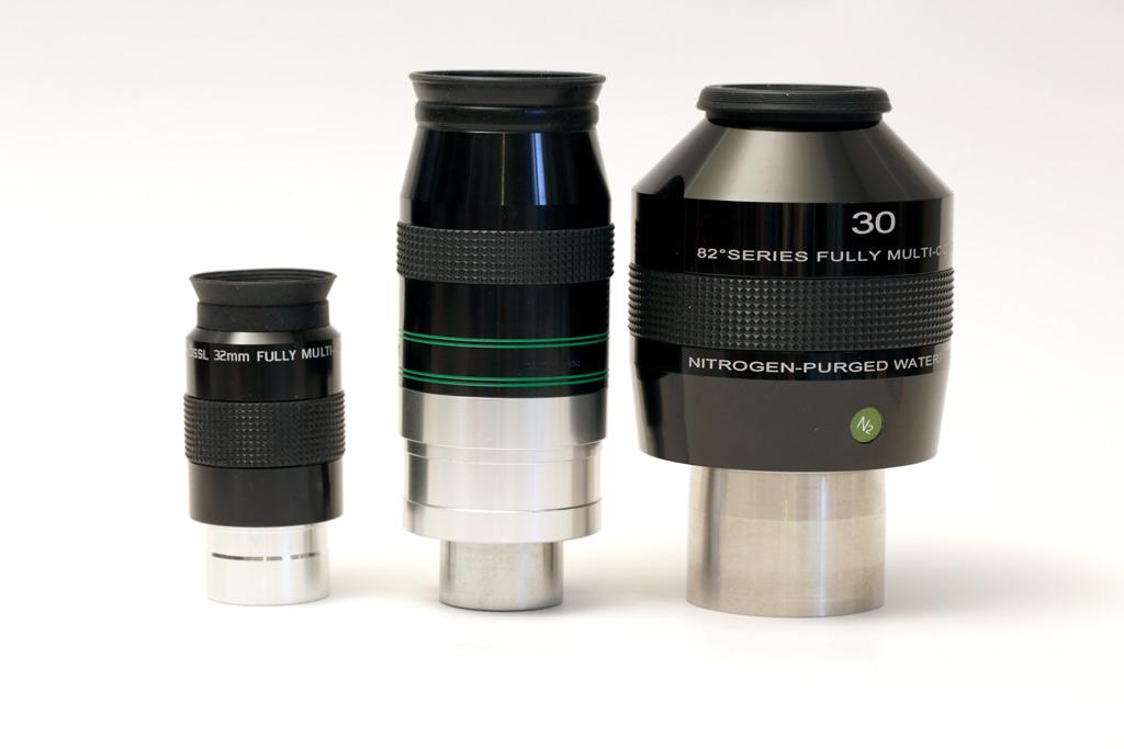 Photo d'oculaires à différents coulants : coulant 31,75mm, coulant 50 mm et double coulant.