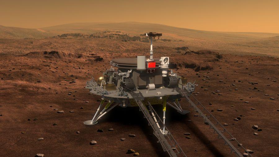 Vue d'artiste de la mission chinoise Tianwen-1 à la surface de Mars : on y voit sur fond de paysage rouge-marron martien, l'atterrisseur comme une sorte d'estrade avec le rover par-dessus.