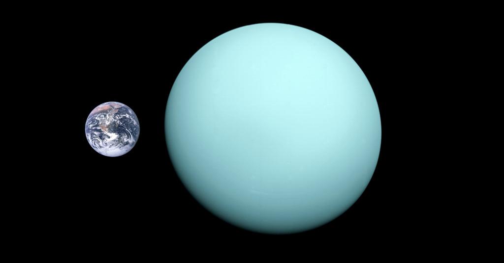 Tailles comparées de la Terre et de la planète gazeuse Uranus. Uranus a un diamètre correspondant à quatre fois celui de la Terre.