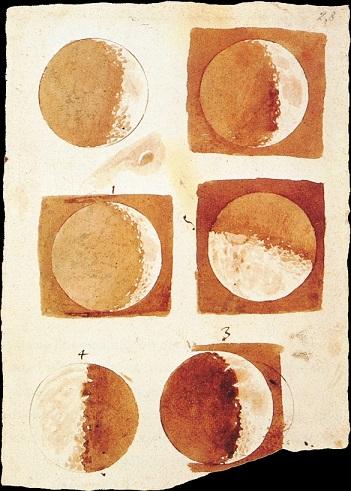 Phases de la Lune dessinées par Galilée sur un papier parchemin jauni, le coup de crayon dans les tons marrons : on voit six phases différentes.
