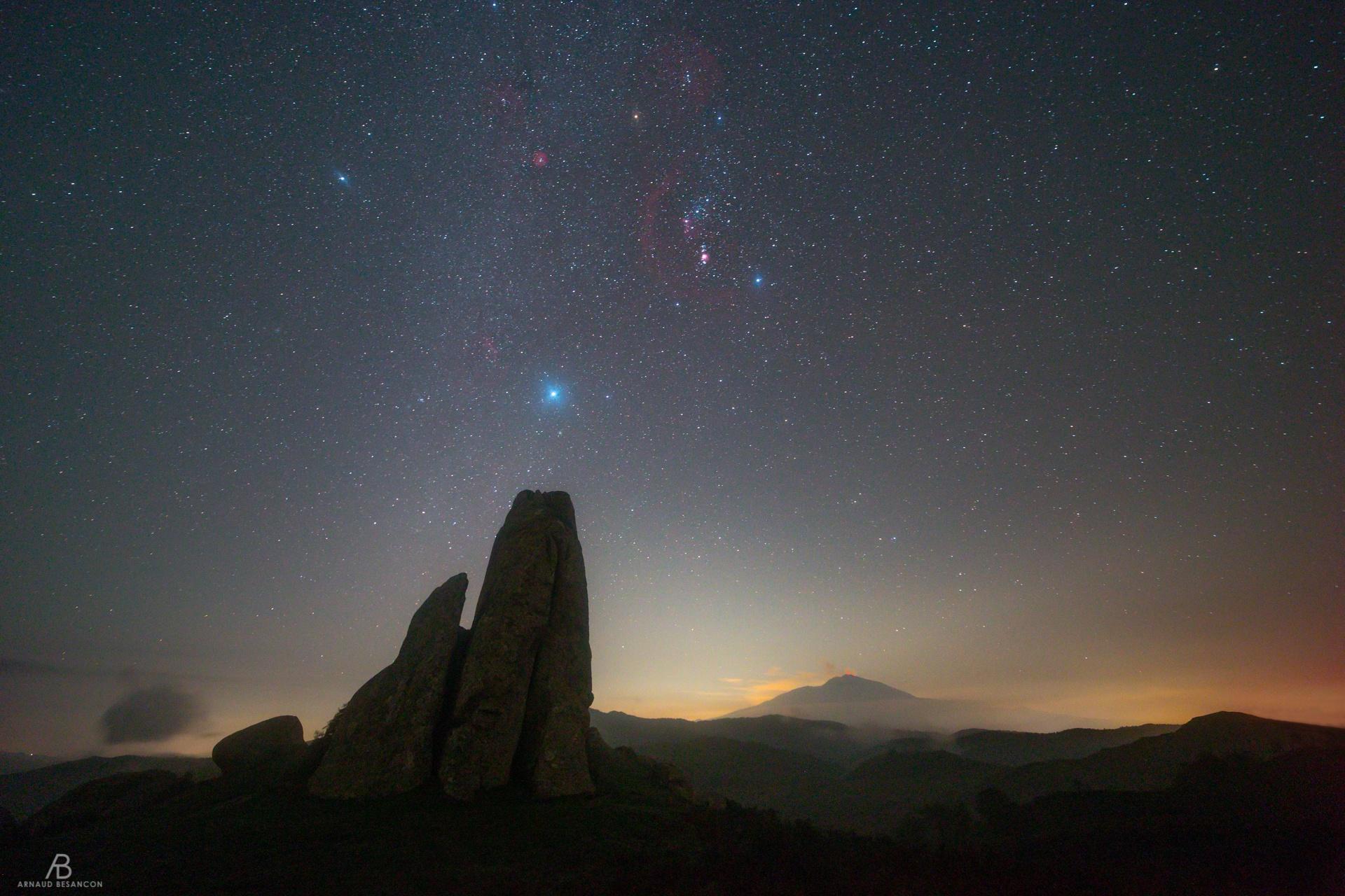 Monolithe et Orion