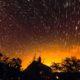 Défilé de Starlink sur filé d'étoiles