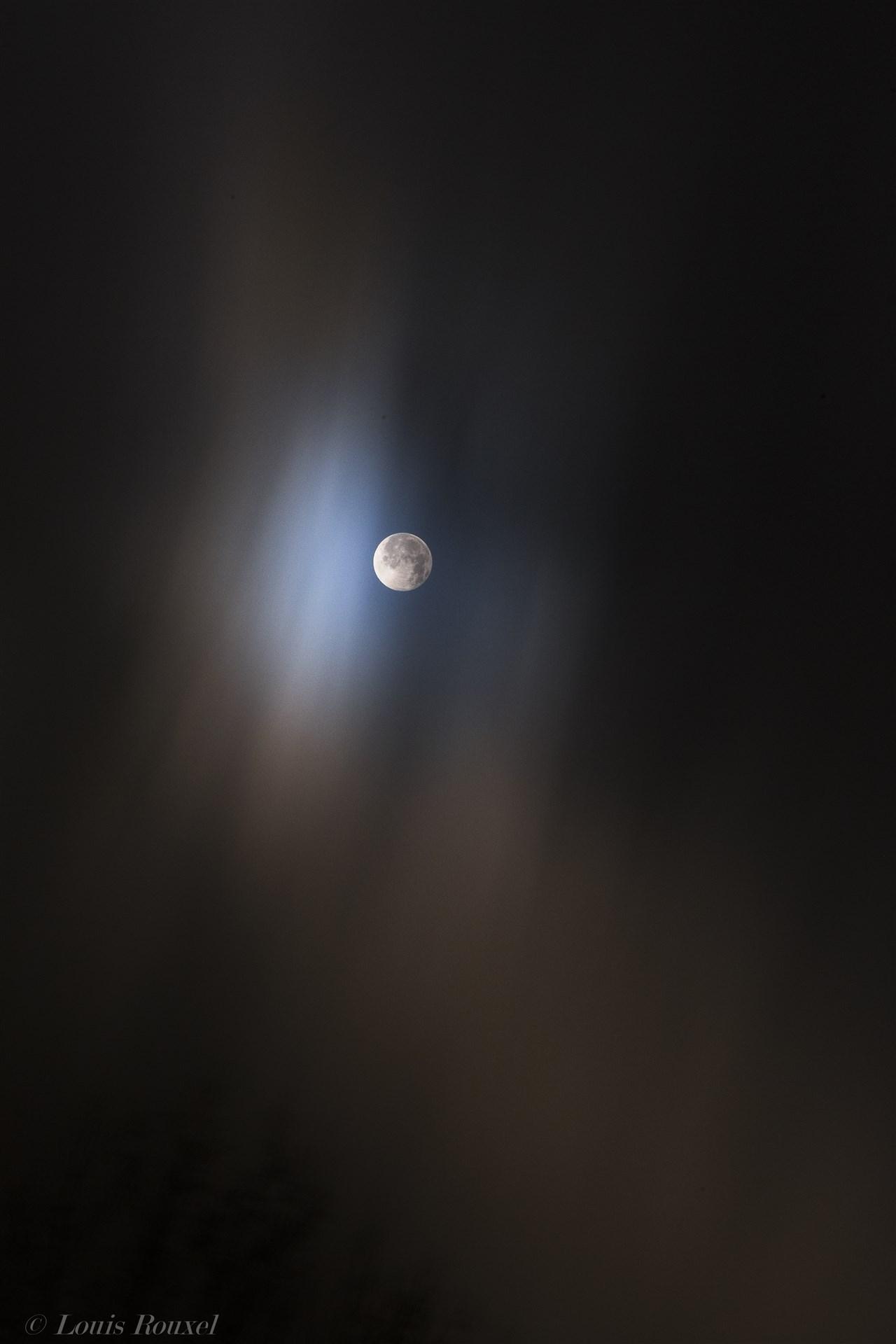 Pleine Lune dans les nuées