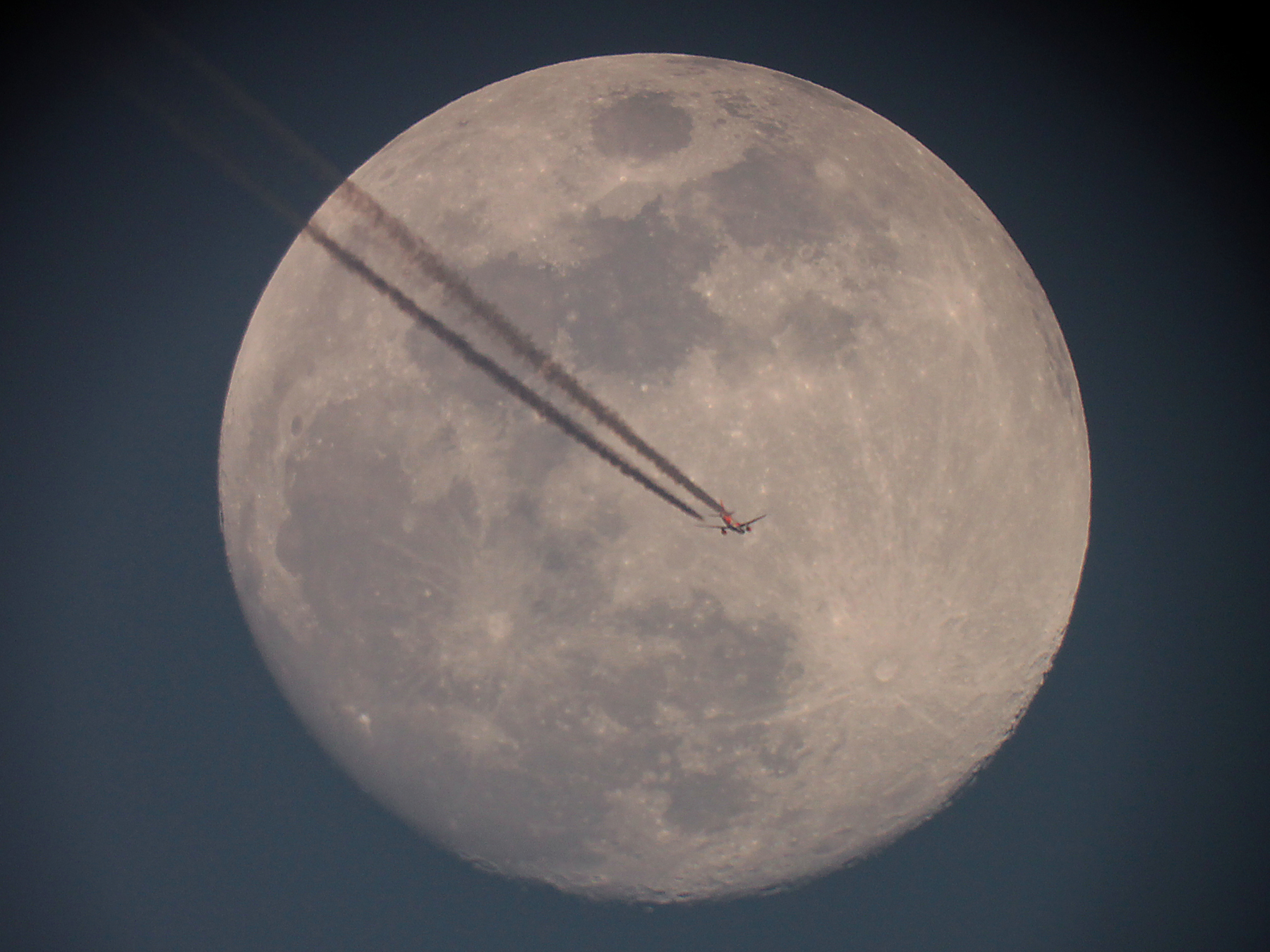 La Lune et l'avion - 09 avril 2017 à 20h13